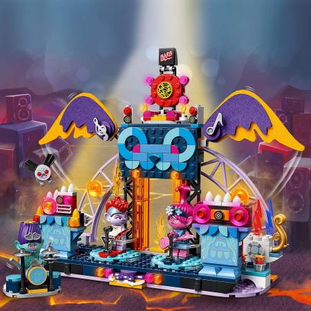 LEGO TROLLS WORLD TOUR CONCERTUL DIN ORAȘUL VOLCANO ROCK [6]