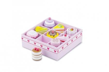 Set de 9 prajituri in cutie de cadou0