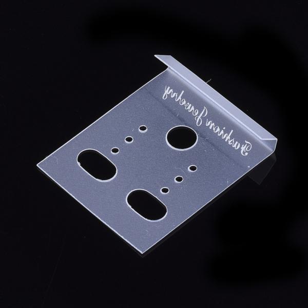 card-alb-transparent-pentru-expunere-cercei 0