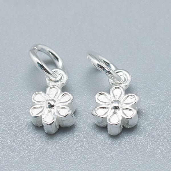 charm-floare-din-argint 1