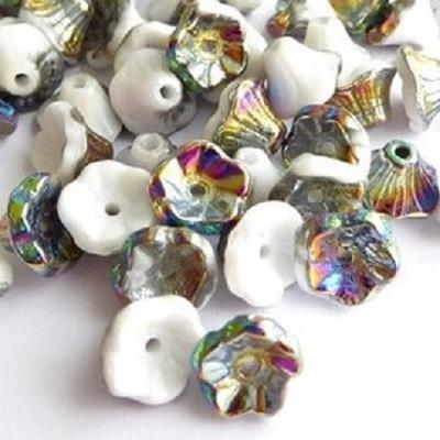 Margele cehesti Floare clopotel 7x5 mm Chalk white vitrail [0]