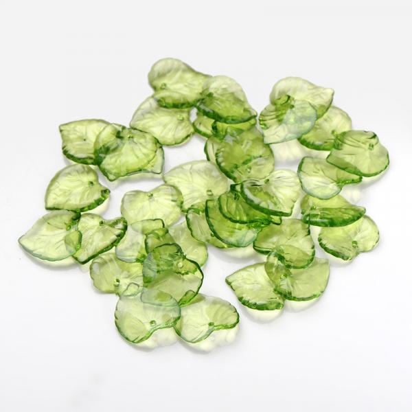 pandantiv-frunza-din-acriclic-transparent-verde 0