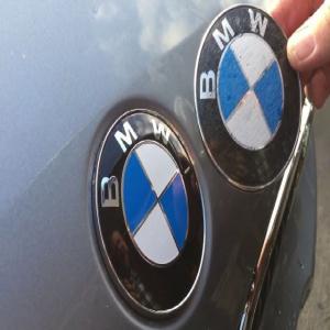 Semn capota-portbagaj BMW2