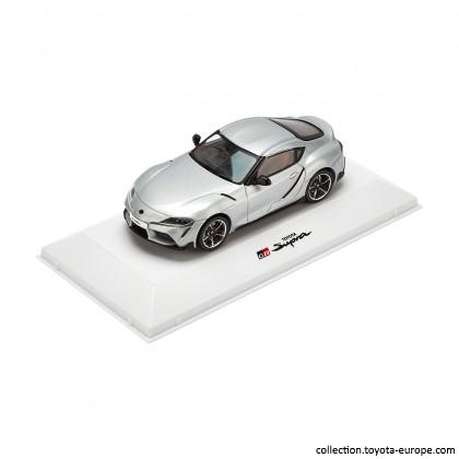 Mașină model Supra la scara 1-43 argintie [0]