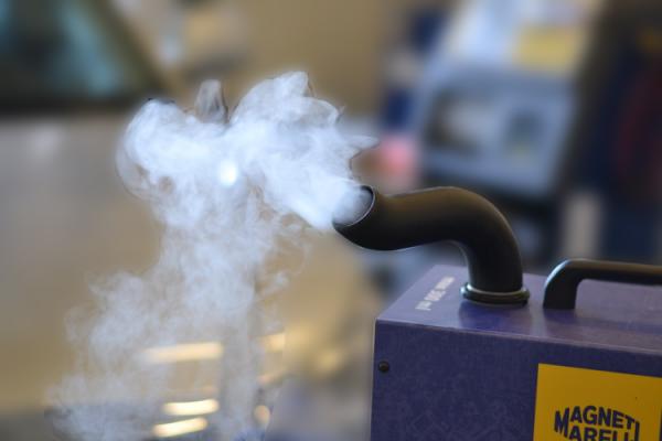 Aparat curatare sistem climatizare aer conditionat auto MAGNETI MARELLI BACTOBAN 3