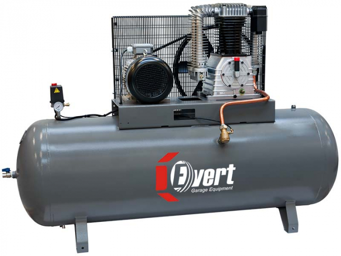 Compresor cu piston Evert 400V, Putere: 7,5 kW, presiune: 10 bar,Debit: 1500 l/min., Rezervor: 500 l, numar pistoane: 2 buc 0