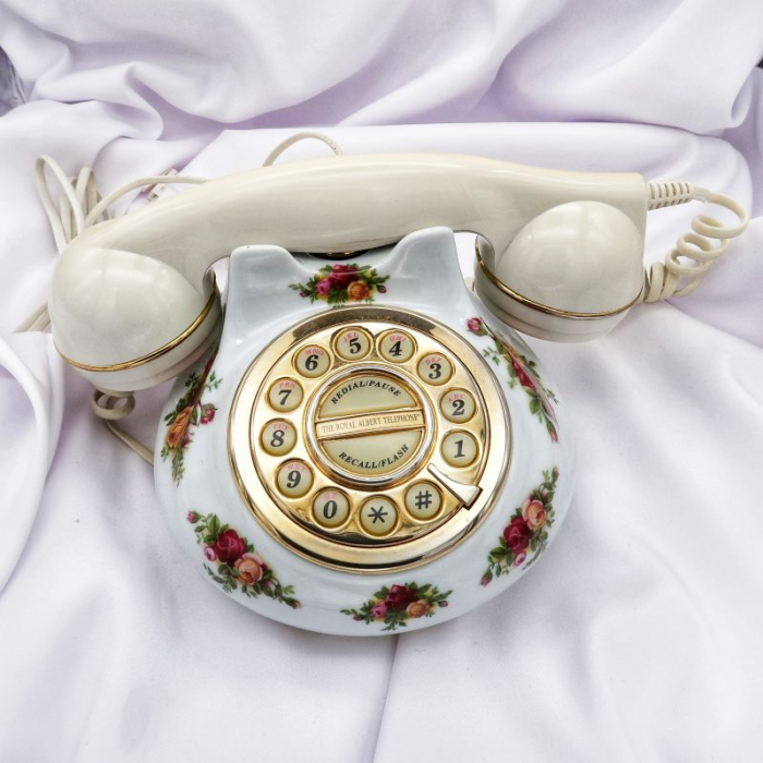 Telefon portelan Royal Albert . ID 115 2