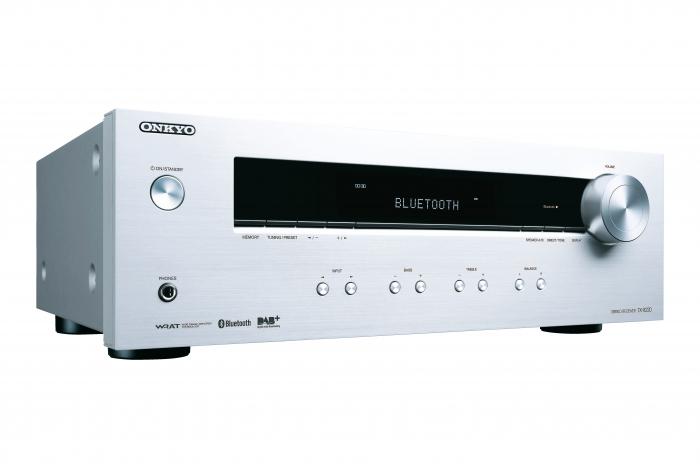 Receiver stereo Onkyo TX-8220 2