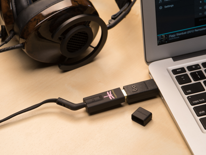 Amplificator de casti si DAC AudioQuest DragonFly Black 2