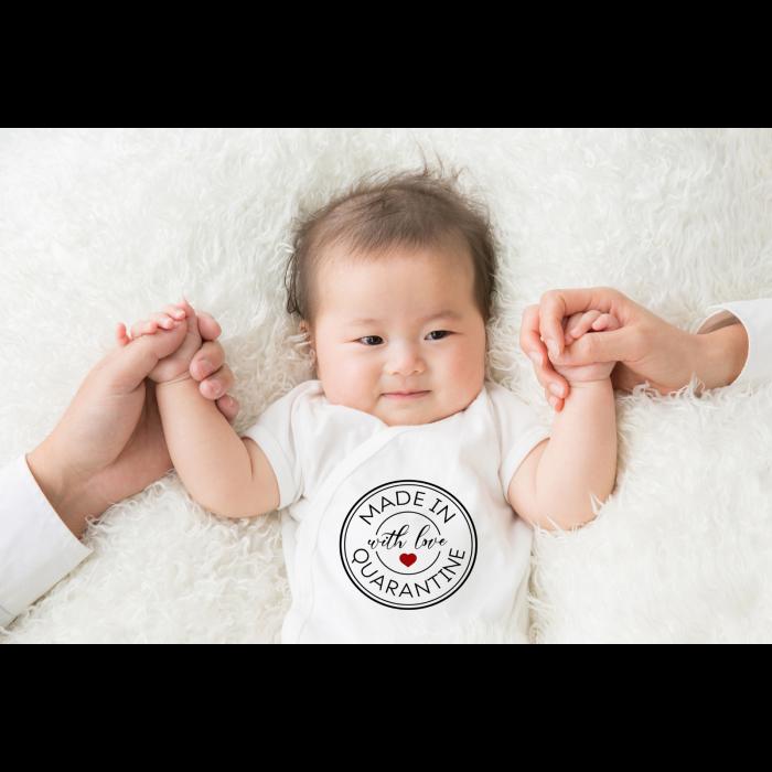Body bebe personalizat din bumbac, cu mesajul Made with love in quarantine, cadou pentru nou nascuti [0]