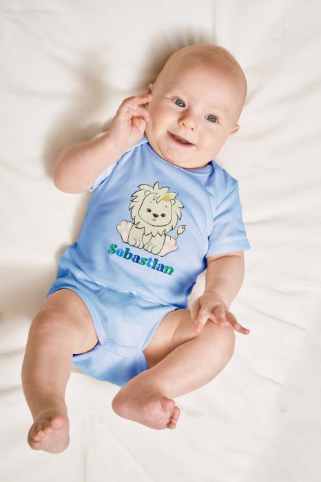 Body bebe personalizat din bumbac, pentru baietel, cu nume si leu [2]