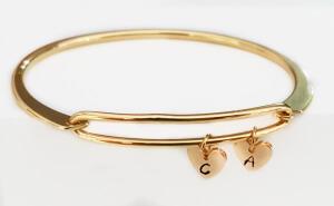 Bratara bangle placata cu aur, fixa, personalizata, cu inimioara gravata cu o initiala [6]