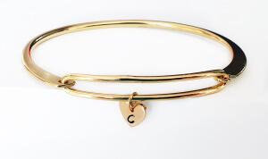 Bratara bangle placata cu aur, fixa, personalizata, cu inimioara gravata cu o initiala [4]