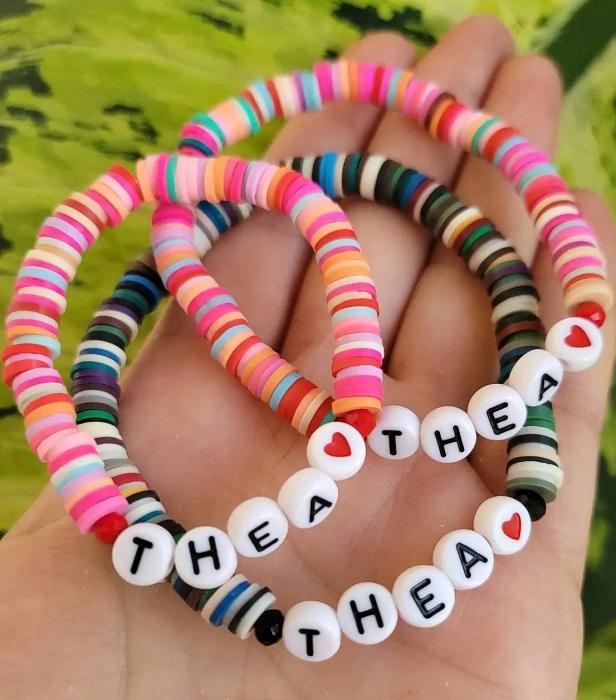 Bratara personalizata cu nume, multicolora, elastica [3]