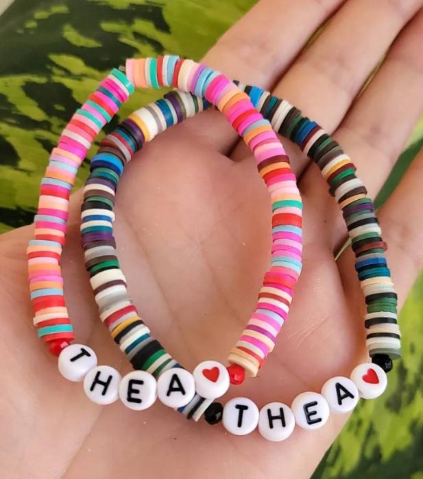 Bratara personalizata cu nume, multicolora, elastica [2]