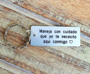 Breloc personalizat Maneja con cuidado, gravat pe dreptunghi din aluminiu [1]