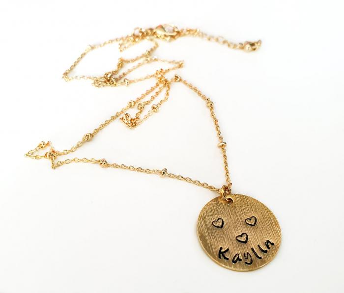 Colier minimalist, placat cu aur, personalizat cu nume pe banut gravat [2]