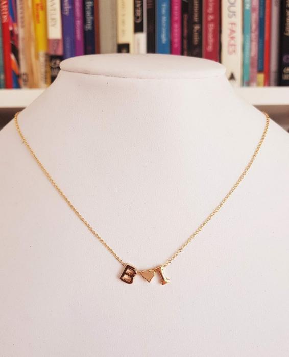 Colier personalizat cu doua initiale si inimioara, placat cu aur [5]