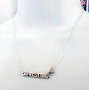 Colier personalizat cu nume si inimioara, gravat manual pe placuta placata cu platina [2]