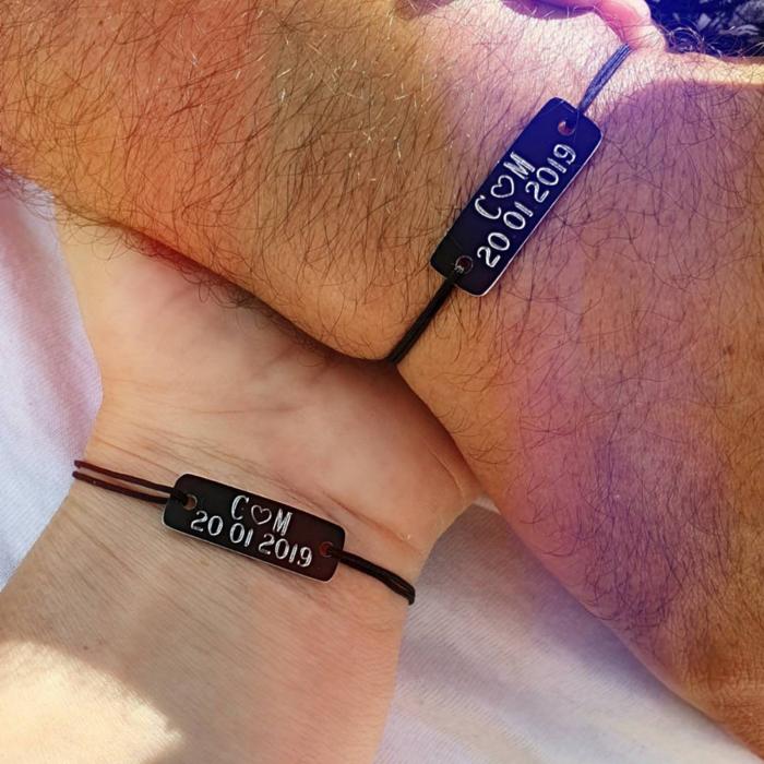 Bratari personalizate pentru cuplu, cu initiale si inimioara gravate, cu snur ajustabil [0]