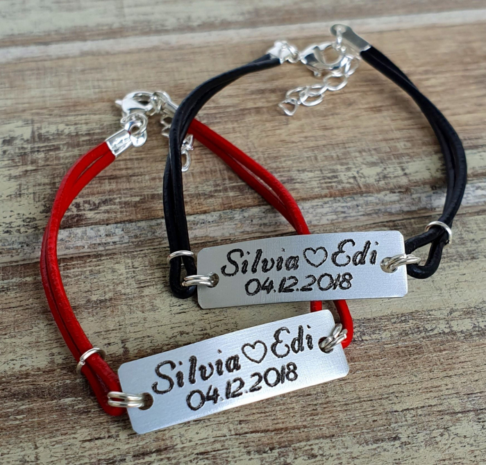 Set de 2 bratari personalizate pentru cuplu cu nume si data, gravate pe placuta din aluminiu, cu snur din piele [4]