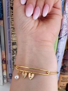 Bratara bangle placata cu aur, fixa, personalizata, cu 2 inimioare gravate cu o initiala si perla Swarovski [1]