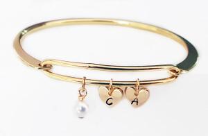 Bratara bangle placata cu aur, fixa, personalizata, cu 2 inimioare gravate cu o initiala si perla Swarovski [2]