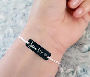 Bratara Jeunesse personalizata, cu nume gravat pe placuta din alama neagra, cu snur special si ajustabil, potrivite pentru cupluri [1]
