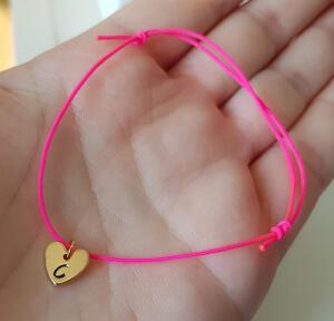 Bratara personalizata, cu initiala gravata pe inimioara placata cu aur, cu snur ajustabil [3]