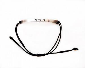 Bratara personalizata, cu initiale si inimioara, gravate pe placuta placata cu argint, cu snur special, ajustabil [2]