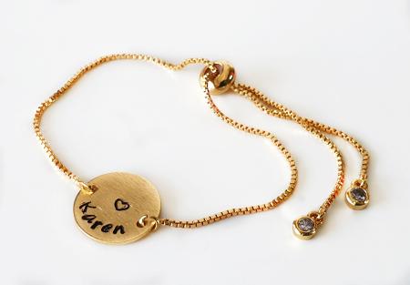 Bratara personalizata, placata cu aur, gravata cu nume pe banut, cu inchidere reglabila [4]