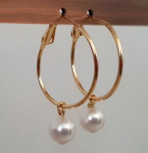 Cercei rotunzi si mari, placati cu aur, cu perla shell pearl alba [8]