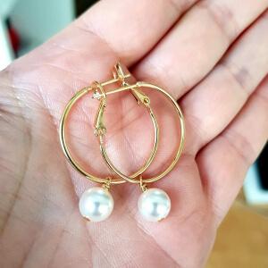 Cercei rotunzi si mari, placati cu aur, cu perla shell pearl alba [4]