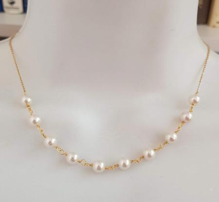 Colier cu perle albe Swarovski, placat cu aur, la baza gatului [6]