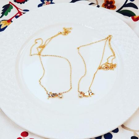 Colier personalizat cu doua initiale si inimioara, placat cu aur [1]