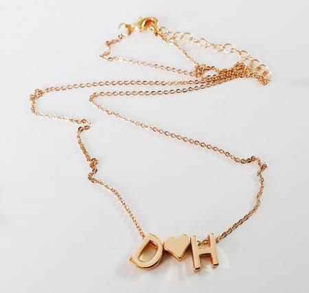 Colier personalizat cu doua initiale si inimioara, placat cu aur [6]