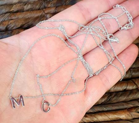 Colier personalizat cu pandant initiala numelui, placat cu argint [6]