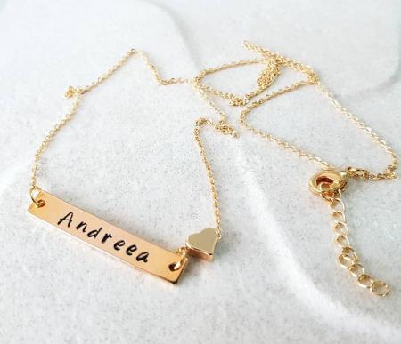 Colier placat cu aur, cu pandant dreptunghiular, personalizat cu nume si inimioara [1]