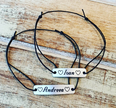 Bratara personalizata cu nume si simbol, gravata pe dreptunghi din aluminiu cu snur ajustabil [4]