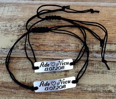 Set de 2 bratari personalizate pentru cuplu cu nume si data, gravate pe placuta din aluminiu cu snur ajustabil si inchidere macrame [7]