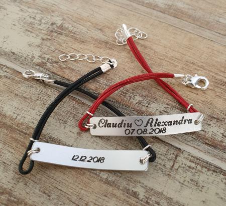 Set de 2 bratari personalizate pentru cuplu cu nume si data, gravate pe placuta din aluminiu, cu snur din piele [12]