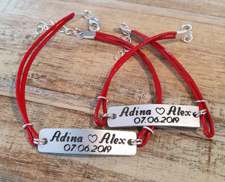 Set de 2 bratari personalizate pentru cuplu cu nume si data, gravate pe placuta din aluminiu, cu snur din piele [9]