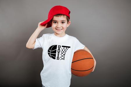 Tricou personalizat pentru copii, pentru pasionatii de baschet, cu nume si minge de baschet [1]