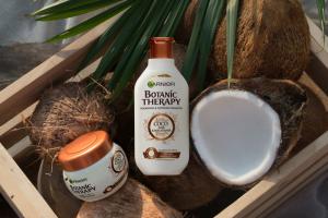 SET 1+1 GRATUIT Masca de par Garnier Botanic Therapy Coco Milk & Macadamia, pentru par uscat lipsit de suplete 300 ML1