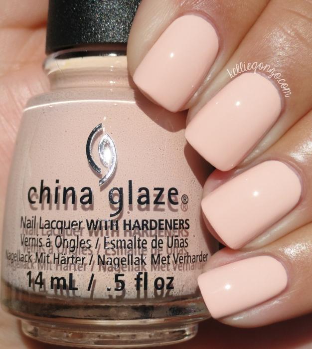 China Glaze Sand in my Mistletoes 1