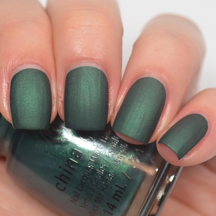 China Glaze The Perfect Holly-Day 1
