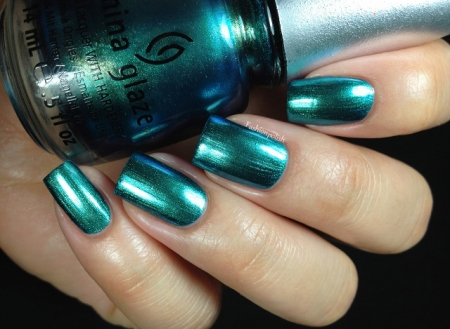 China Glaze Deviantly Daring1