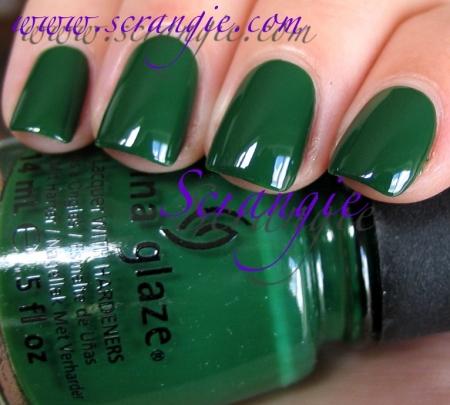 China Glaze Holly Bear-Y1