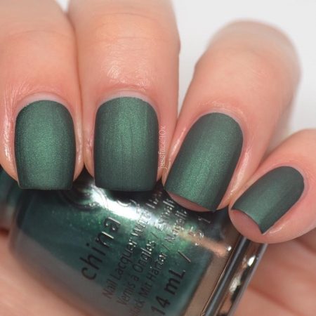 China Glaze The Perfect Holly-Day1