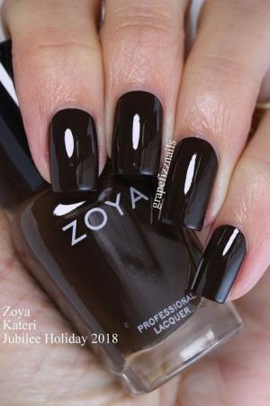 Zoya Kateri [1]